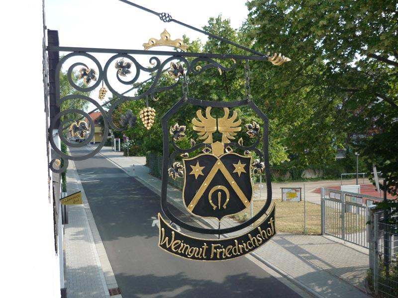 Willkommen beim Weingut Friedrichshof